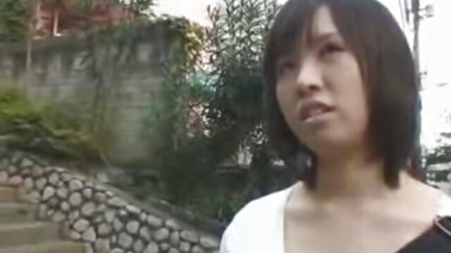 बड़े स्तन के साथ इंग्लिश सेक्सी वीडियो मूवी श्यामला एक परिपक्व आदमी के साथ gags