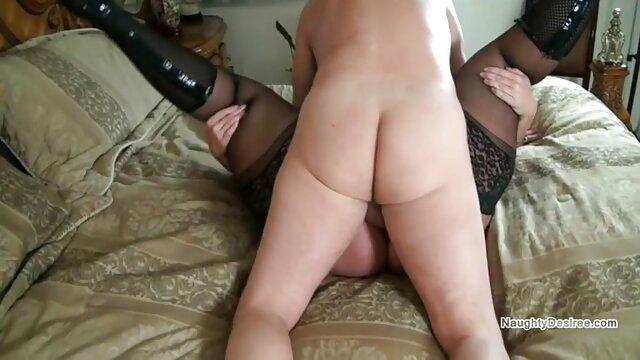 उत्साहित साधु ने लड़की को झुकाया और इंग्लिश की सेक्सी मूवी गड़बड़ किया