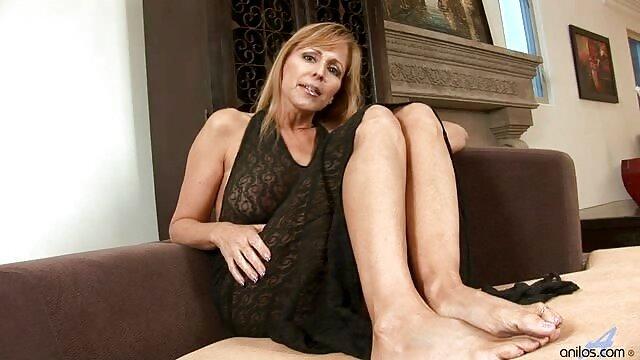 आकर्षक इंग्लिश सेक्स मूवी फुल वर्जीनिया के साथ शानदार अश्लील