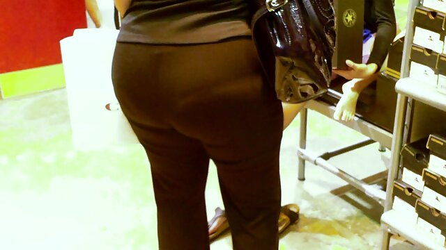 लस्टफुल शेड्स कैमरे फुल इंग्लिश मूवी सेक्सी पर लॉन्जरी दिखाते हैं