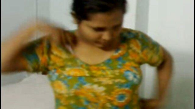 चिकी उसे छेदा हुआ सेक्सी इंग्लिश मूवी वीडियो आकर्षण दिखाती है