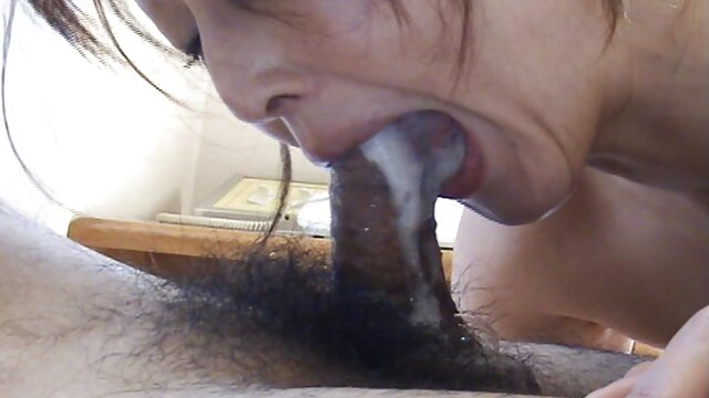 सुंदर गोरा एक आदमी के लिए एक इंग्लिश सेक्सी मूवी वीडियो blowjob बना दिया