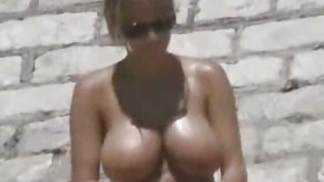 प्यारी पत्नी ने अपने पति को एक सेक्सी इंग्लिश मूवी वीडियो अच्छा blowjob दिया