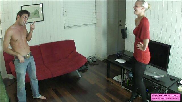 युवा पड़ोसी को एक परिपक्व इंग्लिश इंग्लिश सेक्सी मूवी महिला के सिलिकॉन आकर्षण द्वारा बहकाया गया था