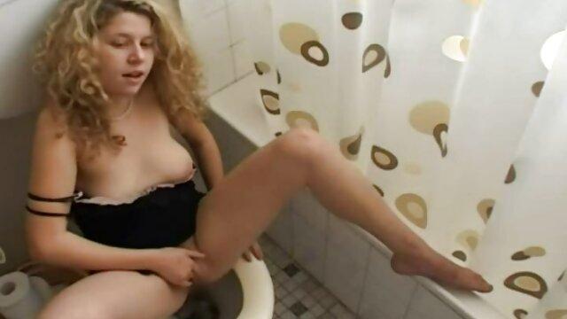 पंप एक्स एक्स एक्स सेक्सी मूवी इंग्लिश में बॉडी बिल्डर ने जोश से लंड को झटका दिया