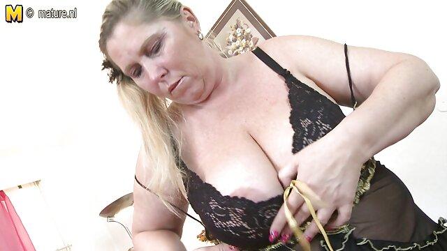 एक ट्रम्पोलिन पर फुल सेक्सी इंग्लिश मूवी करेन हर्नांडेज़