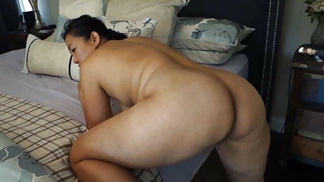 स्लिम ब्लोंड को बीडीएसएम पोर्न इंग्लिश सेक्सी फिल्म मूवी में गुंडागर्दी करना पसंद है